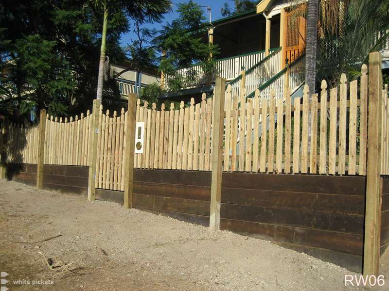 Amazing Retaining Wall Fence Ideas Photo - Wall Painting Ideas ...